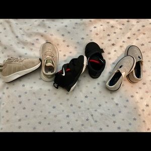Toddler sneakers size 6t